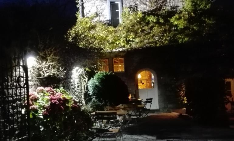 Le jardin d 39 en bas restaurant annevoie rouillon for Restaurant le jardin guise